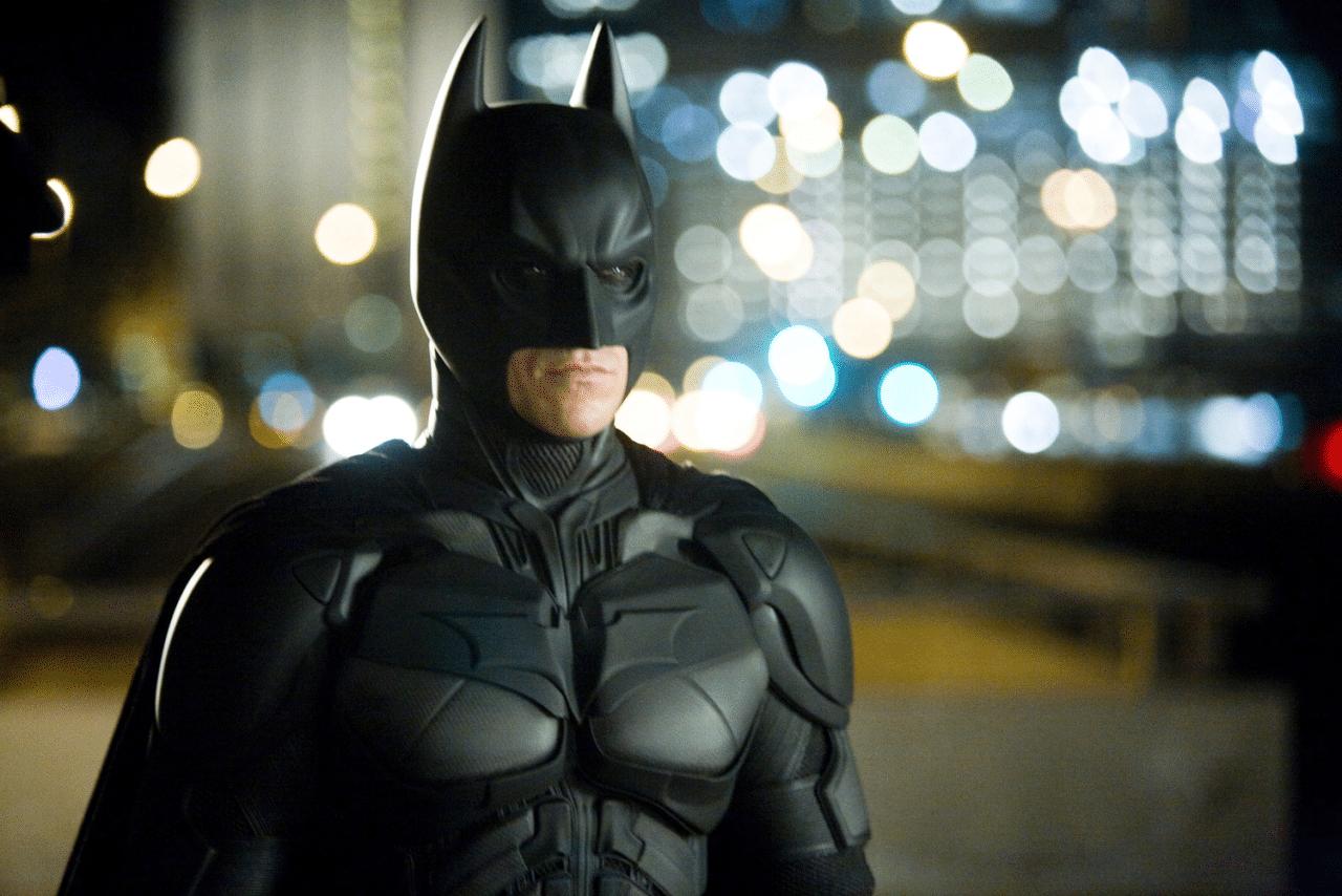 Un plan rapproché poitrine utilisé pour mettre en valeur le personnage de Batman