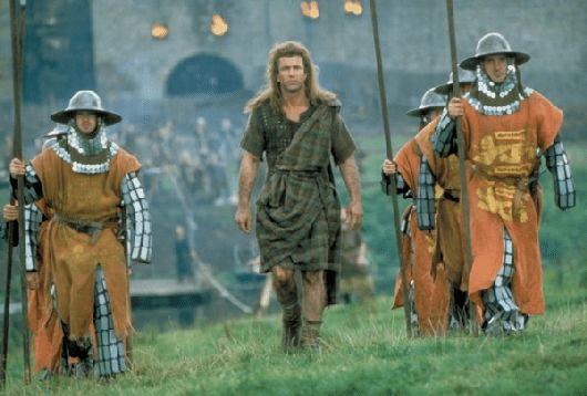 un plan moyen pour mettre en avant l'acteur / réalisateur Mel Gibson