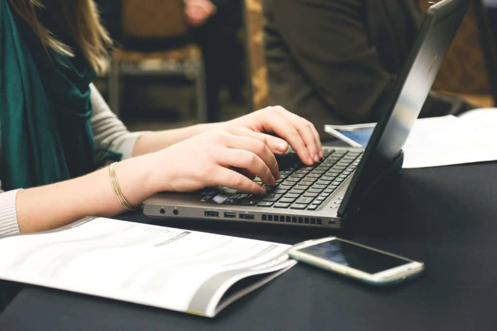 ecrire sur ordinateur